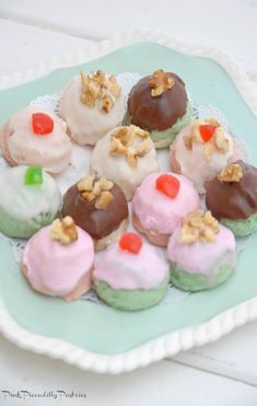 Pink Piccadilly Pastries: Pastries Betty Crocker Cookie Recipe, Oatmeal Cookies, Yummy Cookies, Stove Top Meatloaf, Sugar Dough, Cookie Table, Cookie Bars, Dessert Dips, Gummi Candy