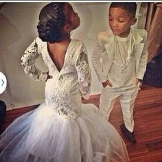 one day for my wedding i want this for my flower girl and ring bearer! aww
