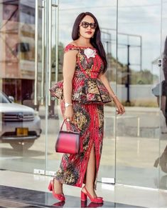 African fashion women - latest ankara short skirt and blouse styles 2019 check out stylish ankara short skirt and blouse for weekend Correct Kid African Fashion Ankara, Latest African Fashion Dresses, African Dresses For Women, African Print Dresses, African Print Fashion, African Attire, Latest Fashion, Ankara Skirt And Blouse, Ankara Dress
