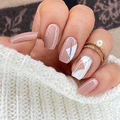 Neutral Nail Designs, Classy Nail Designs, Neutral Nails, Acrylic Nail Designs, Beige Nail Art, Elegant Nails, Classy Nails, Simple Nails, Chic Nails