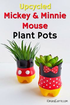 Upcycling Plastic Bottles into Mickey Mouse Flower Pots - Kim and Carrie We love these cute Mickey Mouse and Minnie Mouse pots perfect for plants and succulents! This upcycling craft Plastic Bottle Flowers, Plastic Bottle Crafts, Plastic Bottles, Plastic Pots, Water Bottles, Upcycled Home Decor, Upcycled Crafts, Disney Home Decor, Disney Crafts