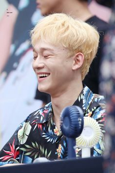"""Chen at """"The War"""" Public Fansign"""