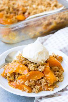 Apricot Crisp Recipe, Apricot Dessert, Apricot Recipes, Apricot Cobbler, Honey Recipes, Fruit Cobbler, Sweet Recipes, Quick Dinner Recipes, Healthy Dessert Recipes
