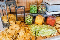Taco Bar Wedding, Wedding Reception Food, Wedding Catering, Cheap Wedding Food, Wedding Food Bar Ideas, Cheap Food, Wedding Reception Decorations On A Budget, Diy Wedding Buffet, Budget Wedding
