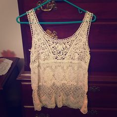 Lace Tanktop Super cute from AE. Never worn and in perfect condition. Cream color. American Eagle Outfitters Tops Tank Tops