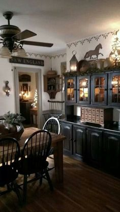 like the stenciled border and the color scheme is similar to my dining room #PrimitiveDiningRooms