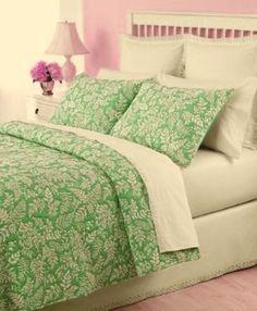 Martha Stewart Fern Fronds Twin Quilt & Sham Set Pear Green/White Martha Stewart http://www.amazon.com/dp/B002ZD387M/ref=cm_sw_r_pi_dp_A6FStb1T03Y1TWQC