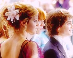 Beautiful Hermione hair, and a nice pic of the three of them.