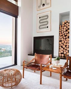 A Modern and Organic Living Room Makeover - Emily Henderson Small Living Rooms, Home Living Room, Apartment Living, Living Room Designs, Cozy Apartment, Modern Living, Modern Wall, Studio Apartment, Modern Decor