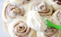 One hour cinnamon rolls - super soft, absolutely delicious and only takes half the time Brunch Recipes, Breakfast Recipes, Dessert Recipes, Desserts, Breakfast Ideas, Brunch Foods, Easter Brunch, Stick Of Butter, Cinnamon Rolls