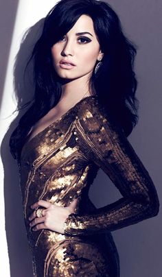 Sequin Dress ♥  Demi Lovato_love the makeup
