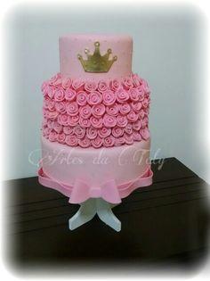 Bolo fake feito em biscuit #bolorosas #bolorosa #bolo15anos #boloprincesa #princesa