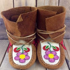 72 Best Moccasins And Mukluks Images On Pinterest Bead Crochet