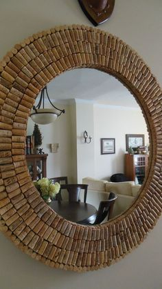 I made this huge cork mirror with donated used corks and a yard sale mirror. I used plywood to give it dimension. Liquid nails and a singular small nail hold on each cork. Diy Home Crafts, Diy Arts And Crafts, Diy Home Decor, Wine Cork Art, Creation Deco, Diy Mirror, Sunburst Mirror, Wall Mirrors, Diy Furniture