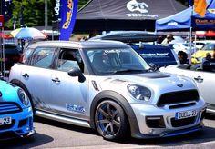New Mini Countryman, Cooper Countryman, Mini Clubman, Cooper Car, E Mobility, Mini Copper, John Cooper Works, Small Cars, Mini Me