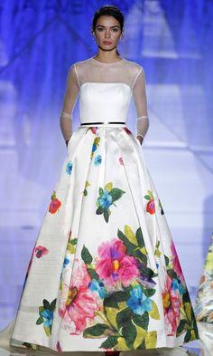 Vestido de novia con flores