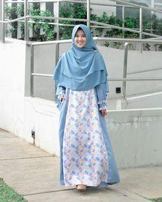 44k Followers, 730 Following, 454 Posts - See Instagram photos and videos from Inez Ayu (@inezayu) Hijab Dress, Hijab Outfit, Niqab, Beautiful Muslim Women, Unique Fashion, Womens Fashion, Abaya Designs, Islamic Clothing, Abaya Fashion