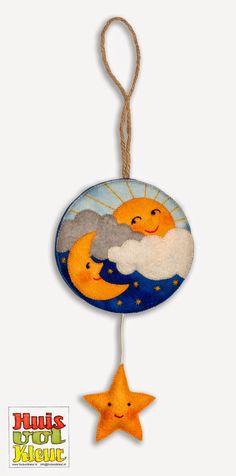 colgante: sol, nubes, luna, estrella