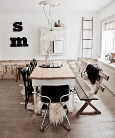 The reclaimed bench adds a vintage touch to the dining table. For greek style, I would paint the bench white, with a blue top table. Dining Room Inspiration, Interior Design Inspiration, Home Decor Inspiration, Home Fashion, Inspired Homes, Home And Living, Living Spaces, Sweet Home, Shabby
