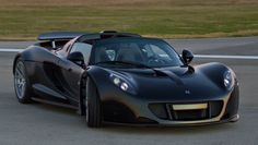 Video: Watch Hennessey Venom GT supercar smash world record for acceleration - - - Latest news - Guinness World Records