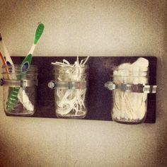 Mason Jar: Hanging Bathroom Organizer #storage #wood #vintage #decor #home