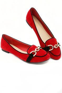Red means Brave! Flat shoes tidak akan pernah salah pada setiap kesempatan. Bahannya nyaman dan cocok untuk kamu kenakan dengan atasan berwarna gelap. ELZIRA 1 - RED IDR 189.800