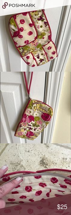Vera Bradley vintage floral wristlet Pretty pink and green floral.🌸 Vera Bradley Bags Clutches & Wristlets