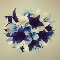Buquê de Origami para as Noivas guardarem o resto da vida!  Fazemos buquês exclusivos de acordo com o desejo da noiva.    Este buquê com lírios em origami, ideal para casamentos ou presentear aquela pessoa especial, seja mãe ou namorada.    Para mais informações entre em contato!
