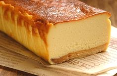 ネーミングからおいしそうな、はちみつを使ったチーズケーキ。 手間はちょっとかかるけれど、お店の味にも負けない、本格的なチーズケーキができますよ。