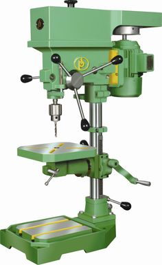Wear hearing and eye protection when using saws, routers, sanders and other equipment. To keep splinters and dust out of your eyes, utilize large plastic security goggles, a face guard or safety glasses. Woodworking Blueprints, Woodworking Lathe, Micro Lathe, Drilling Machine, Sand Bag, Wood Turning Projects, Old Tools, Cabinet Making, Types Of Wood