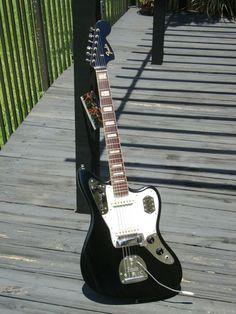 Guitars Gibson, Fender, Guild, Martin, Vintage - Gbase for musicians Fender Telecaster, Fender Guitars, Fender Jaguar, Fender Electric Guitar, Jim Morrison Movie, Kings Of Leon, Guitar Art, Funny Movies, Fleetwood Mac
