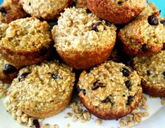 Granola Protein Breakfast Muffins - My Life and Kids Protein Breakfast, Breakfast Muffins, Breakfast Options, Breakfast For Kids, Kids Packed Lunch, Post Workout Snacks, Healthy Treats, Granola, Greek Yogurt