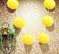 Gele PomPom 35 cm  #lampion #wedding ceremonie #wedding paper lanterns #lantarnes #wedding Ideas #wedding inspiration #bruilofts versiering #lampionnen #paperlanterns #wedding decor #Bruiloft styling #Wedding decor #decoration de mariage #pom pom