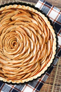 Gluten Free Vegan Apple Tart. Swirls of thinly sliced apples and a flaky crust make up this beautiful pie.