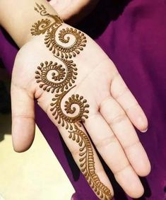 85+ Easy and Simple Henna Designs Ideas That You Can Do