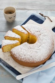 Light Cakes, Almond Cakes, Bakery Recipes, Breakfast Cake, Bagel, Doughnut, Italian Recipes, Latte, Food And Drink