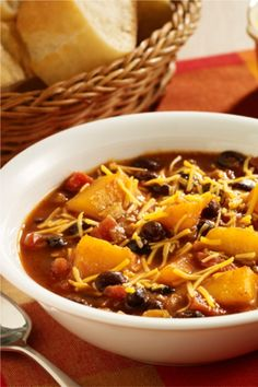 A vegetarian chili recipe made with pre-cut pieces of butternut squash and black beans combined with zesty tomatoes and chili seasoning for quick prep during the week Butternut Squash Casserole, Chicken And Butternut Squash, Heart Healthy Recipes, Healthy Dishes, Healthy Choices, Healthy Food, Black Bean Chili, Black Beans, Chili Recipes