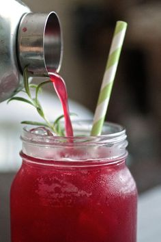 Blackberry Whiskey Lemonade - I am sooo making this, may sub fresh sage for rosemary though.  Perfect summer bbq drink if ya ask me!