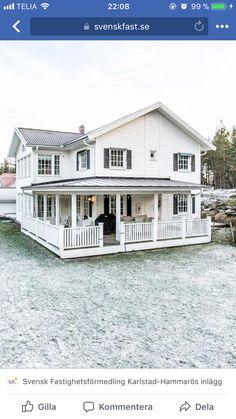 Front Porch Addition, Front Verandah, House Paint Exterior, Paint Colors For Home, Dream Rooms, House Front, Backyard Patio, House Painting, Villa