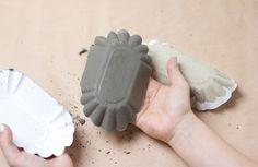 DIY: Zement-Teller aus kleinen Partytellern.