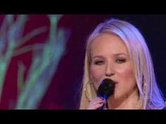 """JEWEL ~ Performs """"Somewhere Over the Rainbow""""  Live at Rialto Square Theatre   November 28, 2006"""