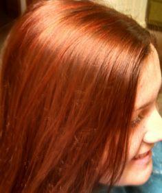 Loren loves her red hi-lites / Casual Coiffures