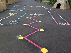 When the kids are bored, encourage them to get outdoors and play with sidewalk chalk. Here are 10 awesome games and activities to play with sidewalk chalk! Playground Painting, Playground Games, Plastic Playground, Preschool Playground, Outdoor Playground, Sidewalk Chalk Games, Sidewalk Art, Kids Crafts, Preschool Activities