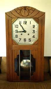 Horloges mécaniques anciennes avec carillon. Vedette. · TOULBROC