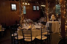 Wow - we love the sparkle and lighting in this rustic wedding reception! {Oatlands Historic House and Gardens}