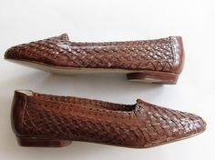Vintage 1980s Woven Leather Flats / Unworn 80s Basketwoven Skimmers Slip on Loafers / 7 by BasyaBerkman on Etsy