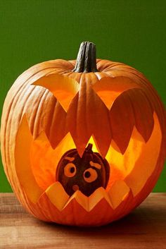 27 Creative and Scary Pumpkin-Carving Ideas for Halloween. Halloween spooky decoration ideas with pumpkins. Creative pumpkins decoration ideas for Halloween. Halloween indoor and outdoor decoration ideas. Easy Pumpkin Carving, Funny Pumpkin Carvings, Scary Pumpkin, Pumpkin Art, Pumpkin Faces, Baby In Pumpkin, Pumpkin Ideas, Large Pumpkin, Cute Pumkin Carving Ideas