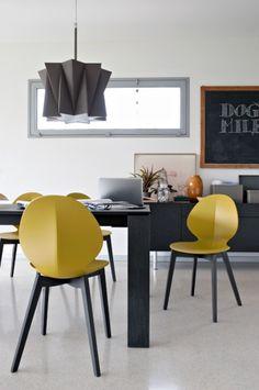 Calligaris - Basil - Moderne Calligaris stoel in mosterd kleur. <br> Tal van andere uitvoeringen in dit Calligaris. <br> cs4058 - cs1348