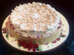 Johannisbeer-Baiser-Kuchen, ein schönes Rezept mit Bild aus der Kategorie Kuchen. 21 Bewertungen: Ø 4,3. Tags: Backen, Kuchen, Sommer
