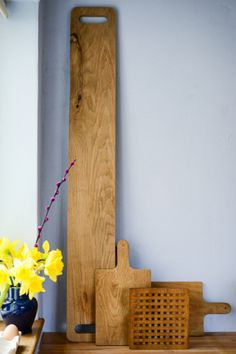 Oh, I would just LOVE to have a plank like this!! Perfect for breakfast, tapas, mezze… just put everything on the board… and voila!